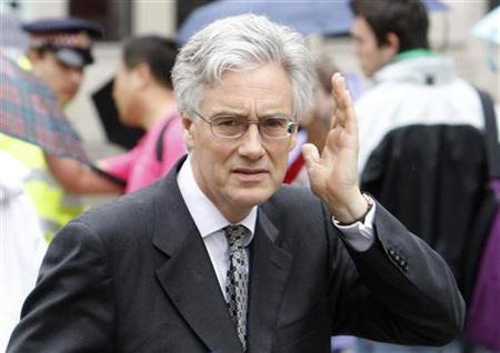 The Chairman of the Financial Services Authority (FSA), Adair Turner, arrives for a memorial service for former Bank of England Governor Eddie George at Saint Paul's Cathedral in London July 27, 2009. REUTERS/Stephen Hird