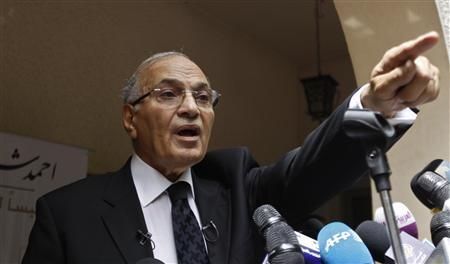 Presidential candidate and former Prime Minister Ahmed Shafiq speaks at a news conference in Cairo May 26, 2012. REUTERS/Ammar Awad