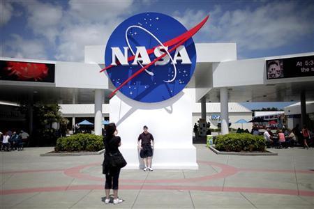 ناسا تلغي مهمة لتلسكوب فضائي لتجاوزها الميزانية المقررة ?m=02&d=20120608&t=2&i=616414257&w=450&fh=&fw=&ll=&pl=&r=2012-06-08T022455Z_1_ACAE85706PU00_RTROPTP_0_OEGIN-US-SPACE-AH7