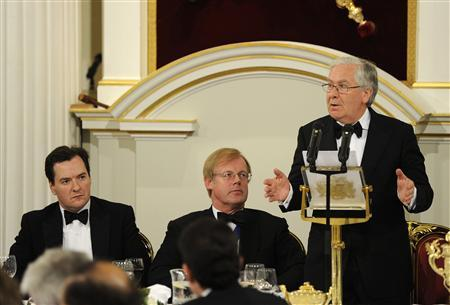 Mervyn King, the Governor of the Bank of England (R) speaks as Britain's Chancellor of the Exchequer George Osborne (L) and Lord Mayor Alderman David Wootton look on during the Mansion House Banquet in the City of London June 14, 2012. REUTERS/Paul Hackett