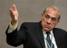 """<p>Angel Gurria, secrétaire général de l'Organisation pour la coopération et le développement économique (OCDE), estime qu'il pourrait être nécessaire de renégocier les termes du plan d'aide à la Grèce si cela permet de la maintenir dans la zone euro. """"C'est un scénario que je juge probable, et si telle est la condition présentée par la Grèce pour rester (dans la zone euro), je dirais que c'est probablement quelque chose qui devrait être tentée."""" /Photo d'archives/REUTERS/Jo Yong-Hak</p>"""