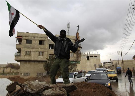 صور احرار سوريا 2013 - الجيش السورى الحر 2013 - ثوار سوريا 2013 ?m=02&d=20120626&t=2&i=623350368&w=&fh=&fw=&ll=700&pl=390&r=2012-06-26T165504Z_07_GM1E81S0AAD01_RTRRPP_0_SYRIA-TOWN