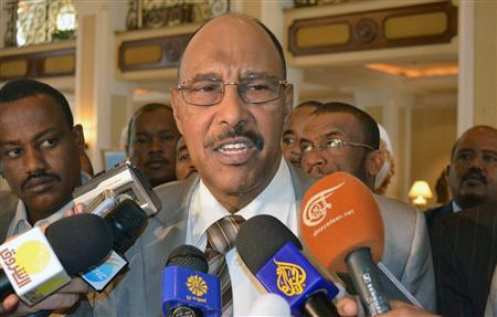 Sudan's Defence Minister Abdel Raheem Muhammad Hussein talks to the media after meeting with officials from South Sudan's ruling Sudan People's Liberation Movement (SPLM) in Ethiopia's capital Addis Ababa, June 28, 2012. REUTERS/Tiksa Negeri