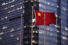 <p>La Chine aura du mal à atteindre cette année son objectif de 10% de croissance des échanges commerciaux extérieurs, a prévenu le vice-Premier ministre Wang Qishan. C'est un signe supplémentaire du ralentissement de la deuxième économie mondiale. /Photo d'archives/REUTERS/Carlos Barria</p>