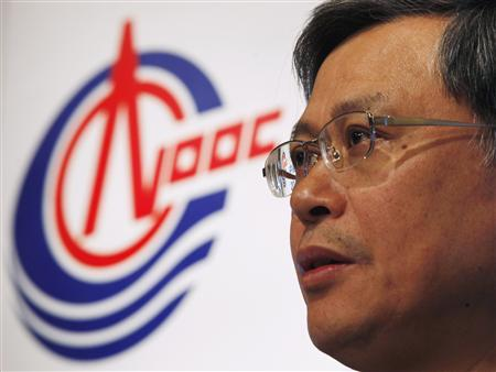 CNOOC Executive Director, President and Chief Executive Li Fanrong attends a news conference on its 2012 strategy preview in Hong Kong in this January 18, 2012, file photo. China's State oil company CNOOC plans to buy Canadian rival Nexen Inc for $15.1 billion (9.7 billion pounds), a deal which if successful would be China's biggest foreign corporate takeover and a test of Ottawa's tolerance of outside interest in its resources, July 23, 2012. REUTERS/Bobby Yip/Files