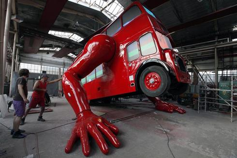A bus that does push-ups