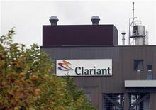 <p>Le groupe chimique suisse Clariant a annoncé jeudi un bond de 75% de son bénéfice net au deuxième trimestre et réaffirmé ses prévisions pour l'ensemble de l'année. /Photo d'archives/REUTERS/Andreas Meier</p>