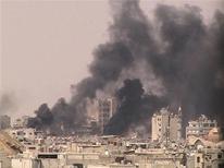 <p>دخان يتصاعد في حمص يوم 22 يوليو تموز 2012 (صورة لرويترز تستخدم في الاغراض التحريرية فقط ويحظر بيعها او استخدامها في الحملات الدعائية او التسويقية)</p>