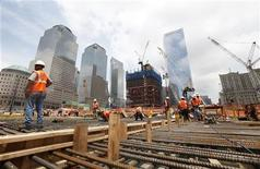 <p>Le secteur privé américain a créé 201.000 emplois au mois d'août, un chiffre nettement supérieur aux attentes. /Photo d'archives/REUTERS/Lucas Jackson</p>