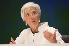 <p>La directrice générale du Fonds monétaire international, Christine Lagarde, estime que les pays de la zone euro qui n'ont pas de difficulté à emprunter doivent adopter une approche plus souple vis-à-vis de la réduction des déficits. /Photo prise le 12 octobre 2012/REUTERS/FMI/Stephen Jaffe</p>
