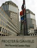 <p>Le groupe américain de produits de grande consommation Procter & Gamble réalise sur la période juillet-septembre, premier trimestre de son exercice fiscal 2013, un bénéfice par action hors charges exceptionnelles de 1,06 dollar, contre 1,01 dollar un an auparavant. /Photo d'archives/REUTERS/John Sommers II</p>