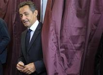 <p>Nicolas Sarkozy est convoqué cette semaine à Bordeaux chez le juge d'instruction en charge de l'enquête sur la fortune de l'héritière de L'Oréal Liliane Bettencourt, croit savoir Europe 1. L'avocat et le porte-parole de l'ancien président n'étaient pas joignables dans l'immédiat pour confirmer ou infirmer cette information. /Photo prise le 10 juin 2012/REUTERS/Philippe Wojazer</p>