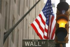 <p>Investisseurs et traders semblaient d'accord sur un point avant le scrutin présidentiel américain : les marchés veulent un vainqueur sans conteste mercredi. /Photo d'archives/REUTERS/Lucas Jackson</p>