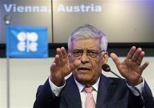 <p>El secretario general de la OPEP, Abdullah Al-Badri, durante una conferencia en la sede del organismo en Viena, jun 14 2012. El secretario general de la OPEP dijo que no le preocupa el panorama del mercado petrolero para el 2013, ya que el grupo exportador produce un millón de barriles diarios más que su meta oficial de producción sin debilitar los precios. REUTERS/Heinz-Peter Bader</p>