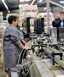 <p>Le bras de fer a commencé jeudi dans la négociation sur l'emploi, les syndicats critiquant un texte patronal qui organise selon eux la précarité au lieu de sécuriser les parcours professionnels des Français. /Phoot d'archives/REUTERS</p>