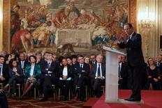 <p>Une majorité des Français juge que les orientations économiques annoncées par François Hollande lors de sa conférence de presse vont dans la mauvaise direction, selon un sondage Tilder/LCI/OpinionWay. /Photo prise le 13 novembre 2012/REUTERS/Philippe Wojazer</p>