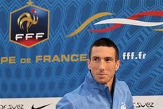 <p>Morgan Amalfitano, le milieu de terrain de Marseille, a écopé jeudi d'une suspension de deux matches ferme infligée par la commission de discipline de la Ligue du football professionnelle, à la suite d'une altercation avec le Parisien Blaise Matuidi, lors du match de Ligue 1 qui a opposé les deux équipes au stade Vélodrome le 7 octobre dernier. La sanction prendra effet le lundi 19 novembre. /Photo d'archives/REUTERS/Charles Platiau</p>