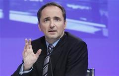 <p>Jim Hagemann Snabe, co-président du directoire de SAP, a confirmé que l'éditeur de logiciels professionnels allemand visait un chiffre d'affaires de plus de 20 milliards d'euros d'ici 2015, le groupe continuant à gagner des parts de marché. /Photo prise le 25 janvier 2012/REUTERS/Lmar Niazman</p>