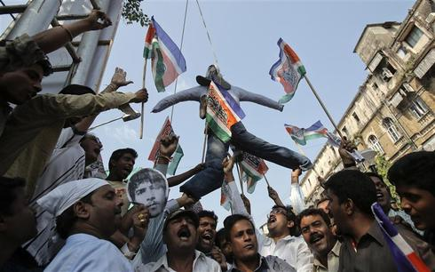 Indians cheer death of Kasab