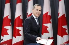 <p>Le gouvernement britannique a choisi le Canadien Mark Carney, l'actuel gouverneur de la Banque du Canada, pour succéder l'an prochain à Mervyn King à la tête de la Banque d'Angleterre, un choix surprenant qui revient à confier pour la première fois la politique monétaire du Royaume-Uni à un étranger. /Photo prise le 26 novembre 2012/REUTERS/Chris Wattie</p>
