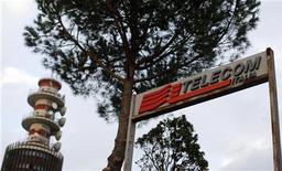 <p>L'homme d'affaires égyptien Naguib Sawiris est prêt à redynamiser Telecom Italia et à piloter le développement des activités de l'opérateur télécoms au Brésil sous réserve que les actionnaires du groupe réservent un bon accueil à sa proposition d'une augmentation de capital de trois milliards d'euros. /Photo prise le 12 novembre 2012/REUTERS/Alessandro Bianchi</p>