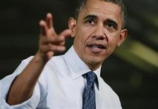 """<p>El presidente de Estados Unidos, Barack Obama, en declaraciones en una fábrica de juguetes en Hatfield, Pensilvania. 30 noviembre, 2012. REUTERS/Jason Reed. El presidente de Estados Unidos, Barack Obama, aumentó el viernes la presión sobre los republicanos en las conversaciones sobre el """"abismo fiscal"""", instando a los estadounidenses a respaldar su intento por aumentar los impuestos a los ricos y extender recortes tributarios a la clase media.</p>"""