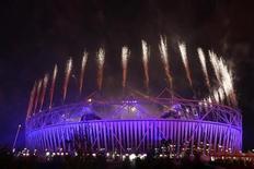 <p>Le stade olympique de Londres lors de la cérémonie de clôture des JO. West Ham a été choisi comme le candidat prioritaire pour évoluer dans le stade olympique de Londres et peut commencer à négocier les conditions financières. /Photo prise le 9 septembre 2012/REUTERS/Olivia Harris</p>