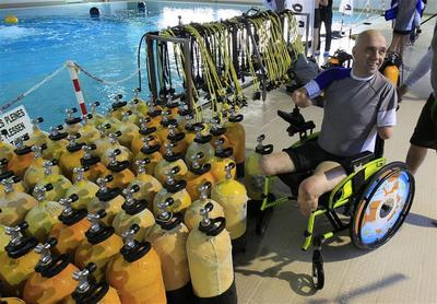 Disabled diver breaks record