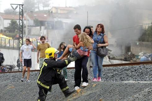 Spain train derailment