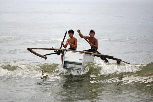 Fishing with fridges after the typhoon