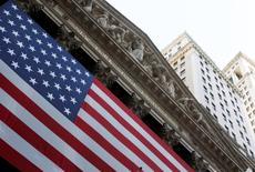 Wall Street est en nette hausse mardi dans les premiers échanges, réagissant au semblant d'apaisement dans la crise entre l'Ukraine et la Russie. Après quelques minutes d'échanges, le Dow Jones gagnait 1,06%, le S&P-500 1,12% et le Nasdaq Composite 1,34%. /Phoot d'archives/REUTERS/Jessica Rinaldi
