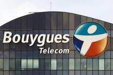 Bouygues a précisé vendredi que sa nouvelle offre sur SFR, la filiale télécoms de Vivendi, courait jusqu'au 8 avril, soit quatre jours après la fin des négociations exclusives entre Vivendi et Numericable. /Photo d'archives/REUTERS/Charles Platiau