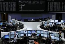 Les principales Bourses européennes ont accentué leurs gains tout au long de la matinée pour afficher des hausses de plus de 1%, voire de 1,5%, mardi à mi-séance, profitant d'achats à bon compte après les pertes de la veille liées à la crise en Ukraine et au ralentissement de la croissance en Chine. Vers 13h25, le CAC 40 s'adjuge 1,39% à Paris, le Dax progresse de 1,53% à Francfort et  le FTSE avance de 1,17% à Londres. /Photo prise le 25 mars 2014/REUTERS/Remote