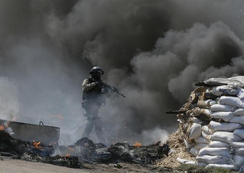 Ukraine seizes rebel checkpoints