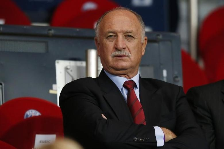 Brazil's coach Luiz Felipe Scolari attends the Champions League quarter-final first leg soccer match between Chelsea and Paris St Germain at the Parc des Princes Stadium in Paris, April 2, 2014. Picture taken April 2, 2014.  REUTERS/Gonzalo Fuentes