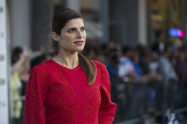 Cast member Lake Bell poses at the premiere of ''Million Dollar Arm'' at El Capitan theatre in Hollywood, California May 6, 2014. REUTERS/Mario Anzuoni