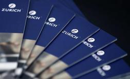 Zurich Insurance a fait état jeudi d'une progression plus marquée que prévu de son bénéfice net du premier trimestre, une évolution que l'assureur suisse met sur le compte d'une hausse des plus-values nettes. /Photo d'archives/REUTERS/Thomas Hodel