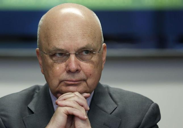 Former National Security Agency (NSA) and Central Intelligence Agency (CIA) Director Michael Hayden listens during a Reuters CyberSecurity Summit in Washington, May 12, 2014. REUTERS/Larry Downing