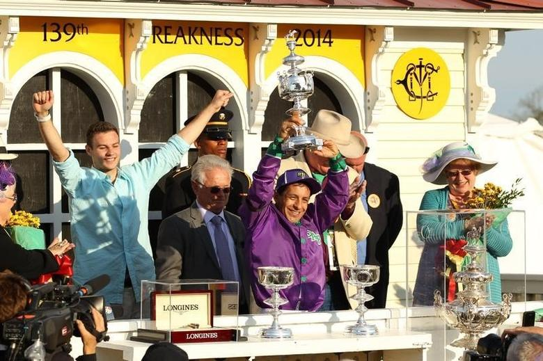 California Chrome easily wins Preakness