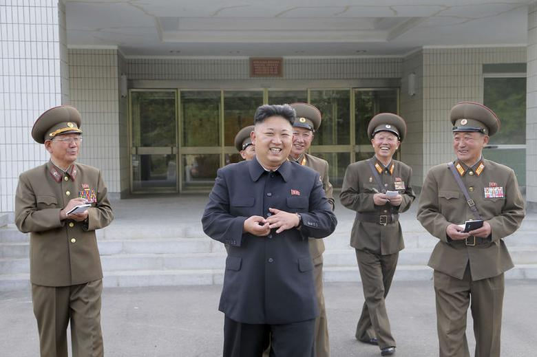 North Korean leader Kim Jong un (2nd L) visits the Taesongsan General Hospital in this undated photo released by North Korea's Korean Central News Agency (KCNA) in Pyongyang May 19, 2014. REUTERS/KCNA
