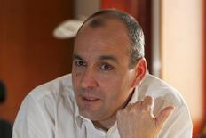 """A un peu plus de deux mois d'une conférence sociale sur la mise en oeuvre du """"pacte de responsabilité"""", le secrétaire général de la CFDT juge insuffisant l'engagement patronal dans les négociations de branches sur les contreparties aux baisses de charges des entreprises et accuse le Medef, dont il met en cause la """"loyauté"""", de faire diversion.  /Photo prise le 19 avril 2013/REUTERS/Charles Platiau"""