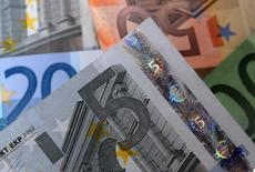 Les banques françaises abordent l'exercice d'évaluation des bilans mené par la Banque centrale européenne avec sérénité et le processus renforcera la confiance dans le système bancaire français, selon le gouverneur de la Banque de France, Christian Noyer. /Photo prise le 25 avril 2014/REUTERS/Dado Ruvic