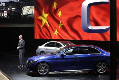 Mercedes allows Chinese to peek under hood in Asia...