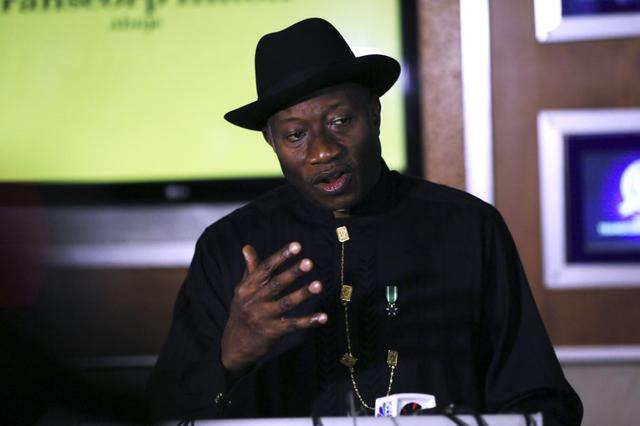 Nigerian President Goodluck Jonathan speaks to the media on the situation in Chibok and the success of the World Economic Forum in Abuja May 9, 2014.  REUTERS/Afolabi Sotunde
