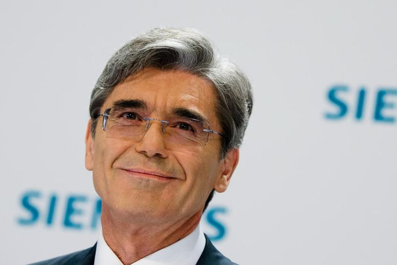 Siemens Chief Executive Joe Kaeser attends a news conference in Berlin May 7, 2014. REUTERS/Thomas Peter