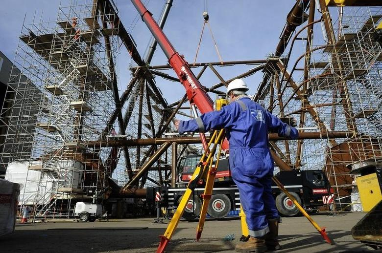 A surveyor checks part of the jacket section of Centrica's York platform at the Heerema plant in Hartlepool, northern England March 6, 2012.     REUTERS/Nigel Roddis