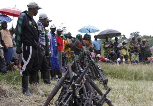 Rwandan rebels begin to surrender, but demand talks with Kigali