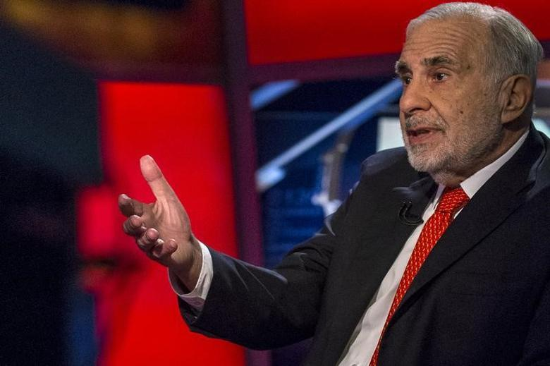 Carl Icahn gives an interview on FOX Business Network's Neil Cavuto show in New York February 11, 2014. REUTERS/Brendan McDermid/Files