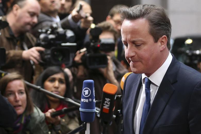 Britain's Prime Minister David Cameron arrives at an informal summit of European Union leaders in Brussels May 27, 2014. REUTERS/Francois Lenoir