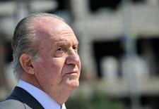 Король Испании Хуан Карлос на открытии площади в Мостаре, Босния и Герцеговина 29 марта 2012 года. Король Испании Хуан Карлос решил отречься от престола в пользу своего сына принца Филипе, сообщил премьер-министр Испании Мариано Рахой. REUTERS/Srdjan Zivulovic